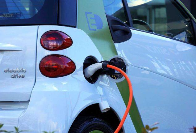 automobili elettriche pro e contro nel 2020