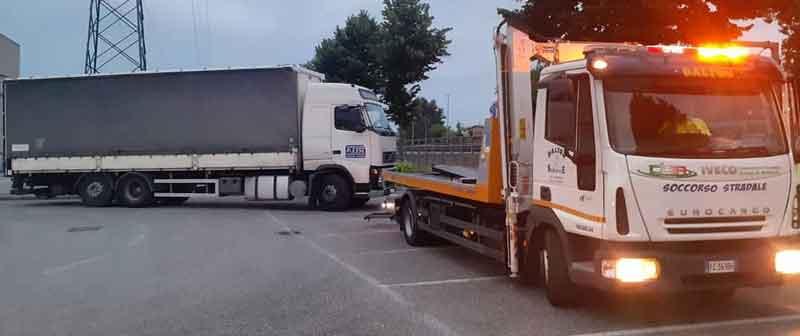 soccorso stradale viadana h24 con carroattrezzi